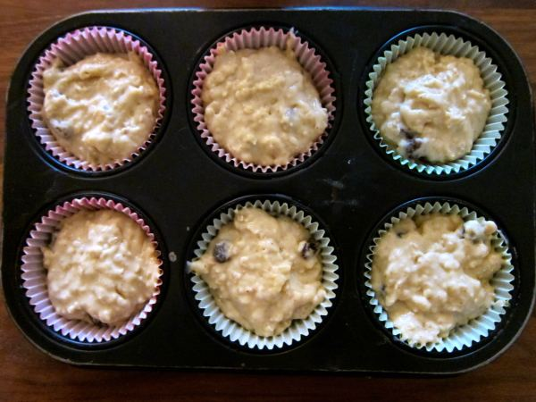 Fill the muffin liners ¾ full. Bake in 180C for about 15 mins.