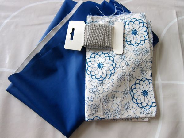 Drawstring pouch wth waterproof lining materials
