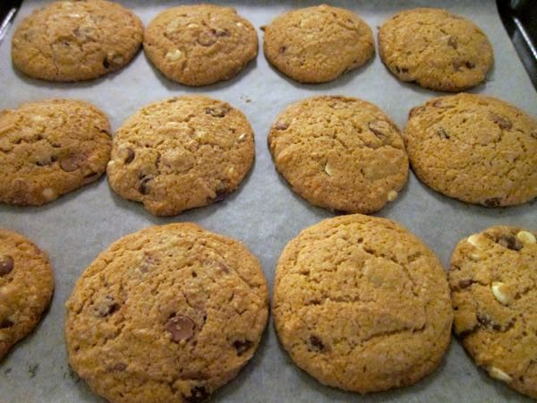 Triple Chocolate Chip Cookies - 18